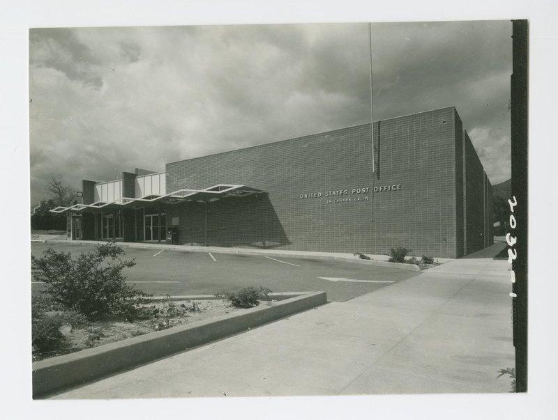 Smith and Williams: United States Post Office (La Canada Flintridge, Calif.)
