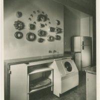 Lutah Maria Riggs: Black house (Montecito, Calif.)